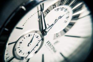 Großaufnahme einer Uhr